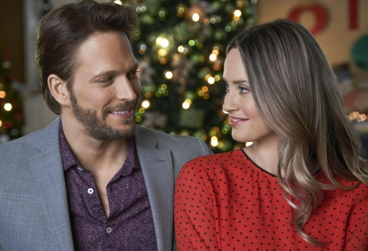 hallmark-picture-perfect-christmas-synopsis